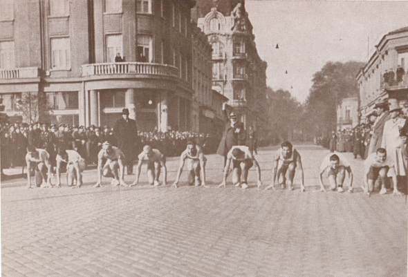 Pic. 9  Palace relay race 1936